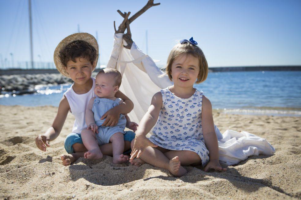 Sesiones de fotos en familia, playa de Mataró